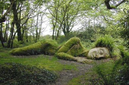 Heligan%20-%20MudMaid_JulianStephensCHeliganGardensLtd-1