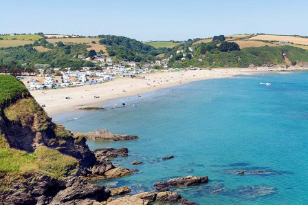 pentewan-beach-pentewan-beach-between-mevagissey-and-porthpean-in-cornwall